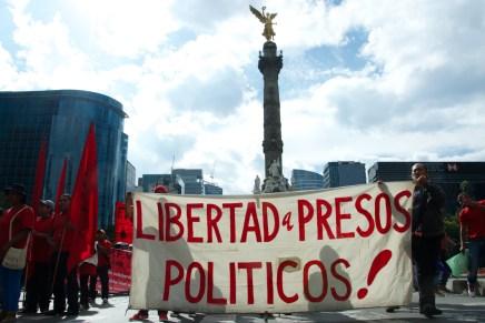 Los agravios se acumulan, Peña Nieto responde con más represión