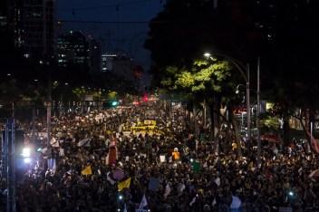 Miles exigen justicia para Ayotzinapa y renuncia de EPN. Fotografía: Colectivo1DMX