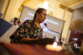 Cassey Camp habla sobre los derechos de la naturaleza desde la cosmovisión indígena. Foto: Juliana Bittencourt