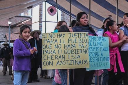Ayotzinapa visita Cherán K'eri