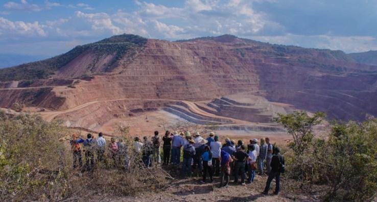 La minería a cielo abierto para la extracción de oro ha dejado incontables efectos negativos en la salud de los habitantes de Carrizalillo. Fotografía: Cristian Leyva