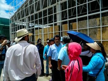 Líderes sindicales salen de su guarida y se niegan a dialogar y acompañar a manifestantes con las autoridades. Fotografía: Anaeli Carro