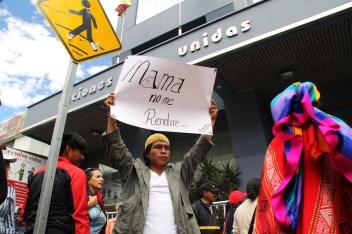 Manifestación frente a la sede de Naciones Unidas en Quito, a propósito de la violencia sistemática del gobierno ecuatoriano.