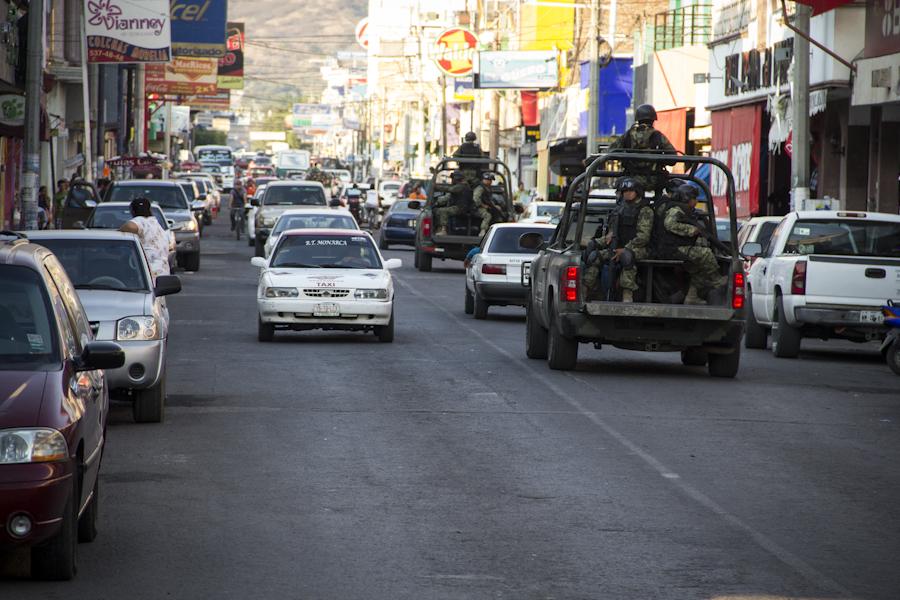 Apatzingán al inicio de la ocupación militar. Mayo de 2013. Fotografía: Heriberto Paredes