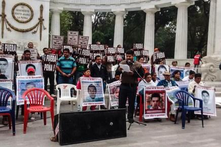 Decimotercera Jornada Global por Ayotzinapa: la llama de la indignación ilumina la esperanza