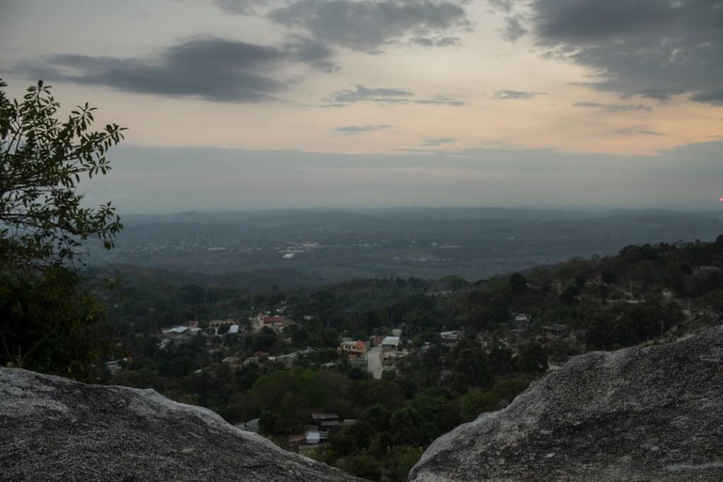 Vista de Santa María Jicaltepec desde la piedra cuchara. Por Regina López