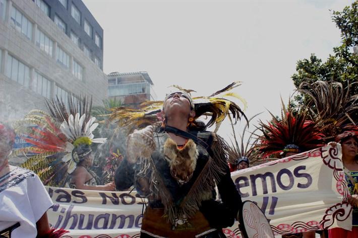 Durante la marcha en el ex-DF, diversas colectivas tomamos las calles. En esta imagen, el contingente de danzantes, integrado sólo por mujeres.