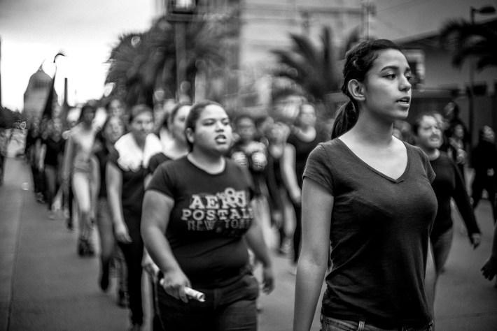 Movilización en la Ciudad de México, a dos años de Ayotzinapa. Fotografía: Jorge Luis Linares.