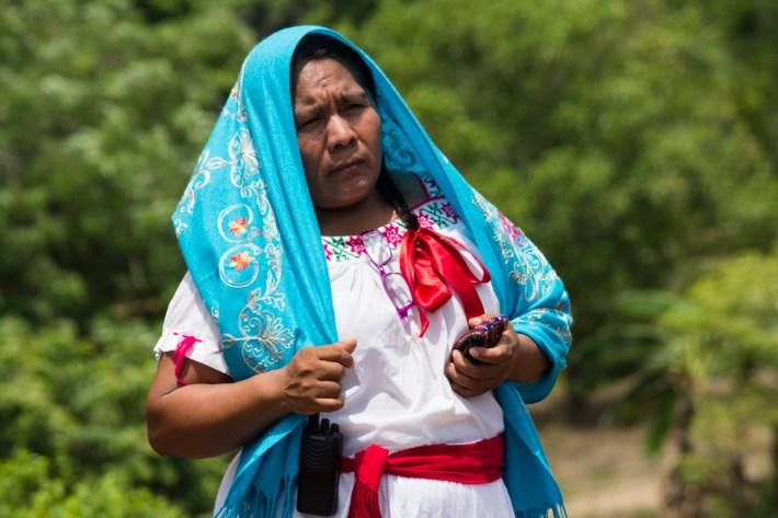 Socorro es autoridad en Ostula: es jefa de tenencia en la cabecera y, además, concejala del Concejo Indígena de Gobierno.