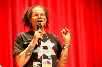 Neon Cunha (mujer negra, transgenera y amerindia