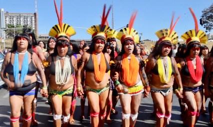 Mujeres indígenas de Xingú. Por Itandehuy Castañeda.