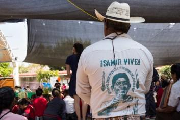 """""""El duelo que lleva la familia se cobija con el manto de toda una comunidad que acompaña y que también está de luto"""" Foto por Regina López."""