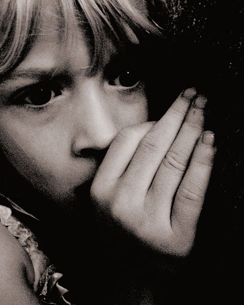 480px-Scared_Child_at_Nighttime