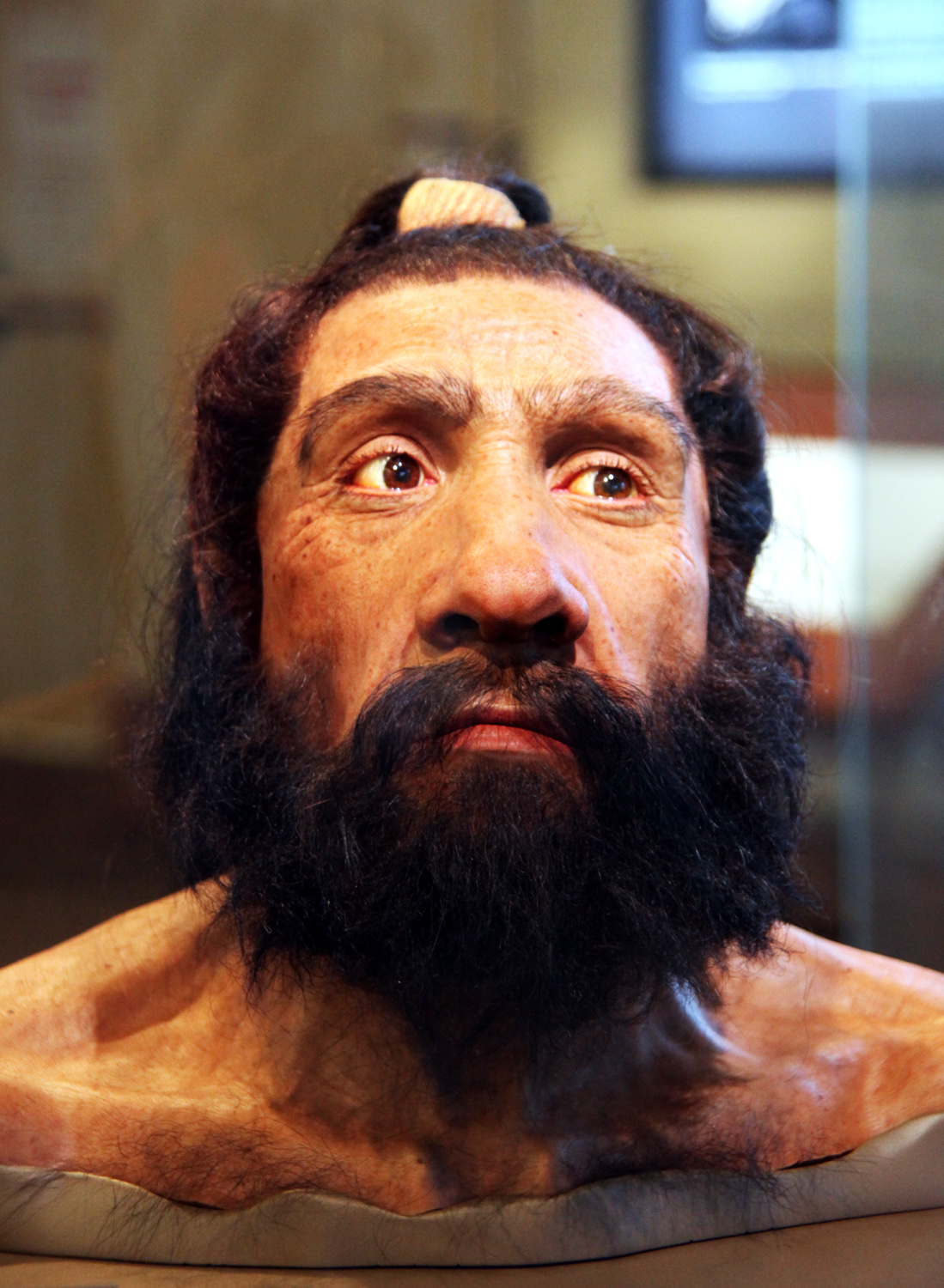 Reconstruction of Neanderthal male 70,000 years ago