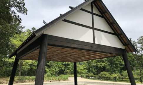 切妻屋根の相撲場画像