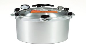 #3. All American (921 21-1/2) Quart Pressure Cooker