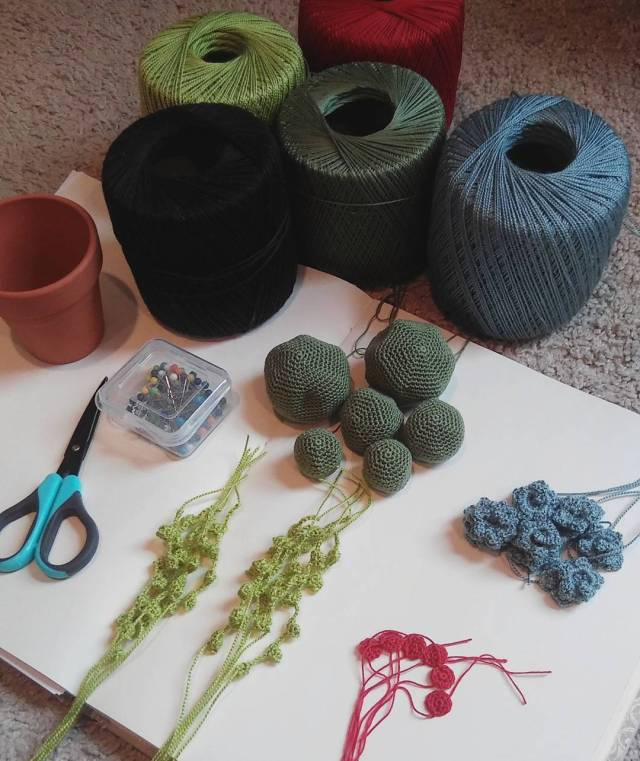 How to Crochet a String of Pearls