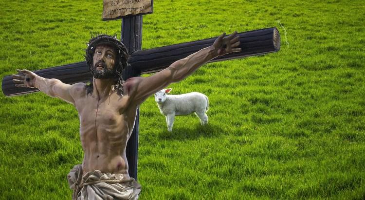 Jesus Assume O Lugar de Cordeiro Pascal