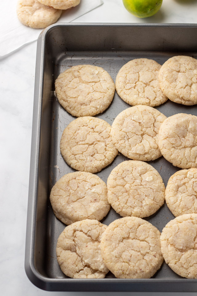 Cookies on baking tray.