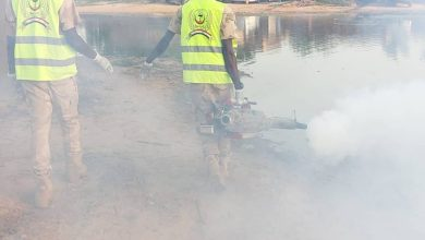 """Photo of """"الدعم السريع"""" تُنفِّذ حملة لإصحاح البيئة وتُقدِّم مساعدات للمتضررين من الفيضانات بـ""""سنجة"""""""