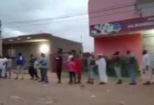 Photo of شاهد بالفيديو.. قنوات دولية تنشر أطول طابور خبز في العاصمة السودانية الخرطوم