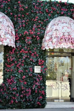 Fashion store, so pretty