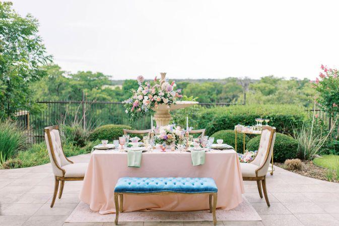 Venue: Dos Palomas Ranch - Photography: Hayden Jordan Photography - Florals: Reiley And Rose