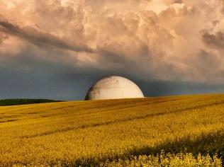 Der Radom, gespenstische Wolken
