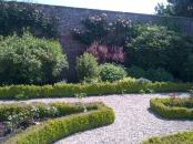 Boxed hedges and herbaceous boarders :-) beautiful