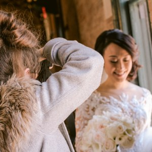 bts-wedding-photographer-with-happy-bride-suessmoments