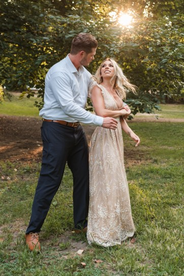 prospect-park-engagement-photos-outfit-ideas-suessmoments-photography-brooklyn