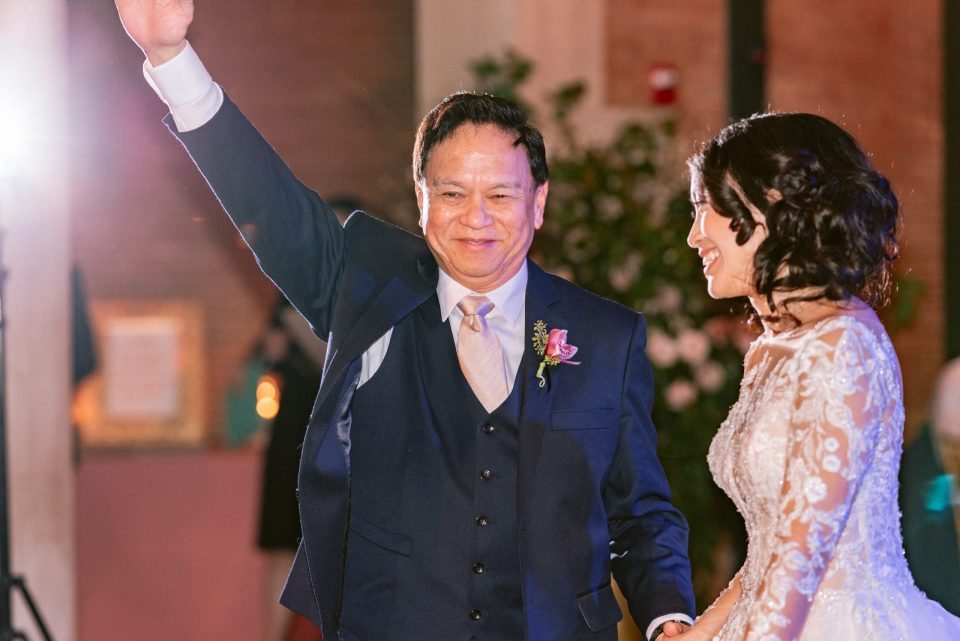 happy-father-of-bride-suessmoments-first-dance-cute-funny