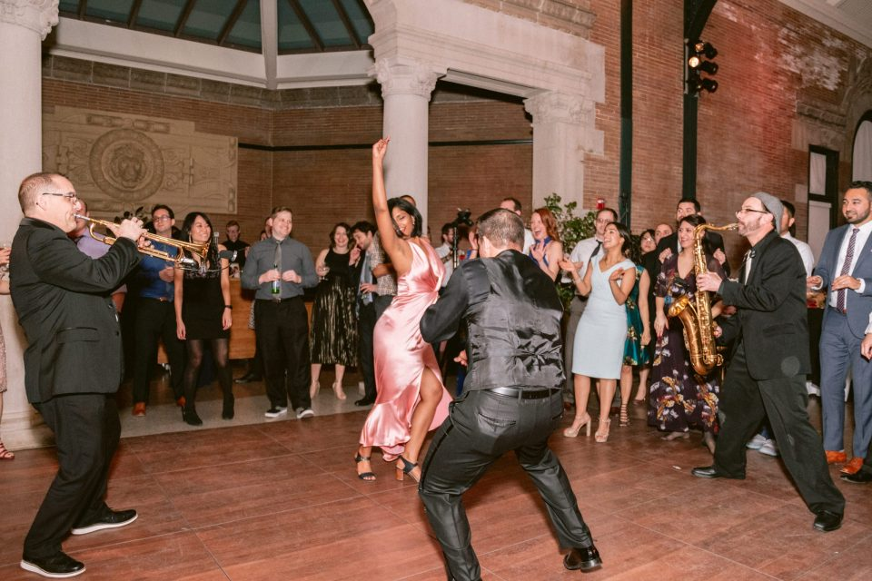bronx-zoo-wedding-epic-soul-band-suessmoments