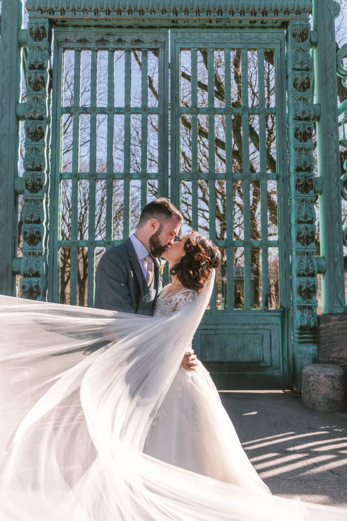 bronx-zoo-blue-gates-wedding-photos-suessmoments