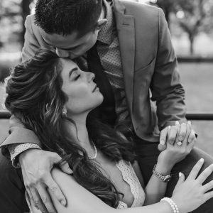central-park-engagement-photography-bench-suessmoments-the-mall
