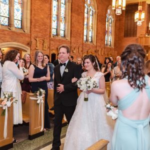 bride-walking-down-aisle-with-father-suessmoments