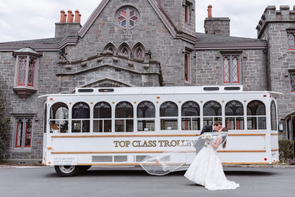 whitby-castle-wedding-trolley-top-class-limo-suessmoments