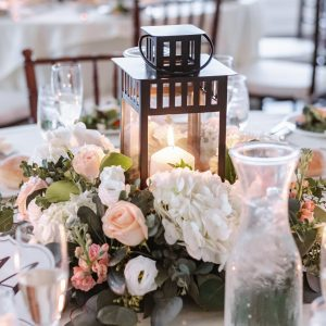 whitby-castle-reception-table-setup-suessmoments