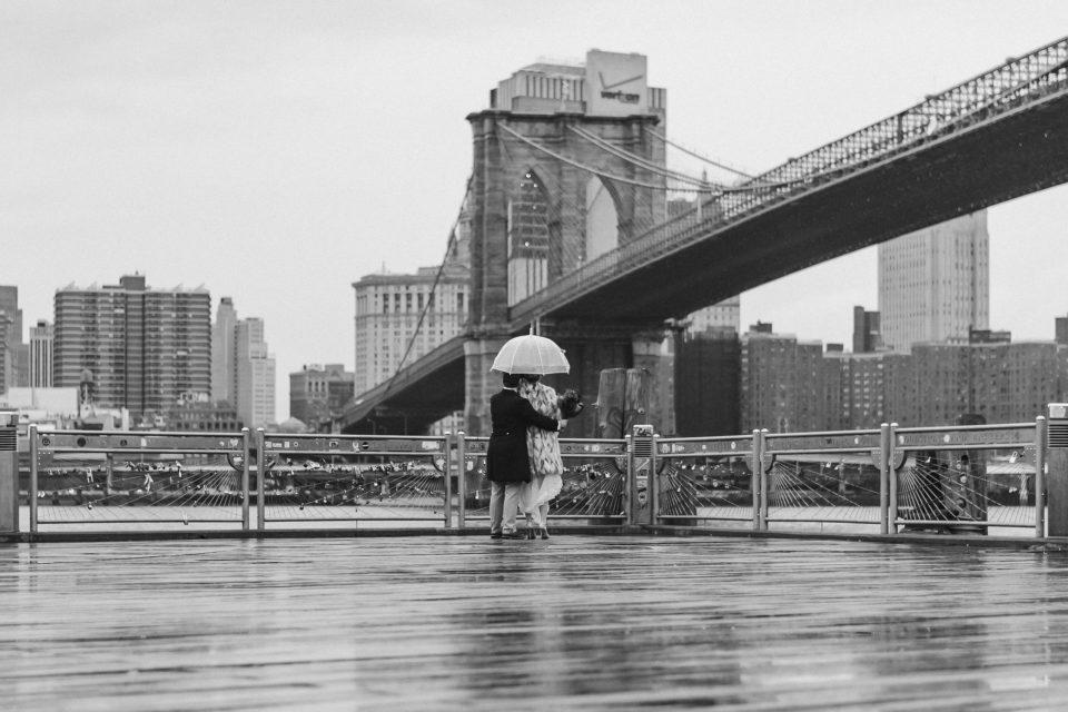 dumbo-brooklyn-clear-umbrella-wedding-photo-suessmoments