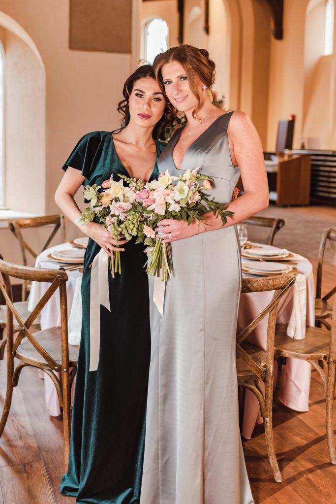bella-bridesmaids-green-dresses-suessmoments