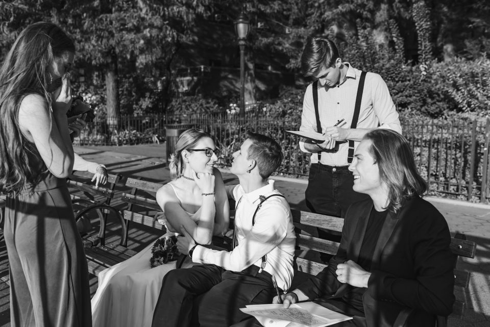 candid-journalistic-wedding-photo-black-and-white-suessmoments