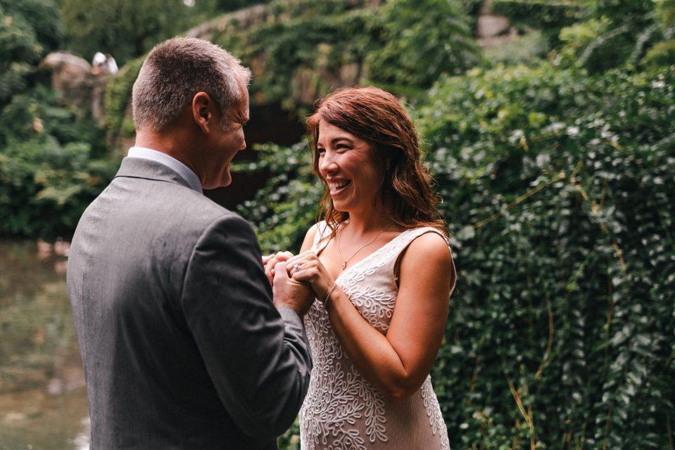 central-park-elopement-ceremony-at-gapstow-bridge-suessmoments