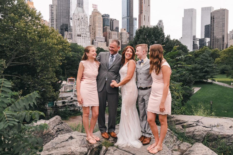 family-wedding-portraits-in-central-park-suessmoments