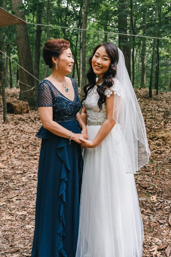 mother-daughter-wedding-photo-suess-moments