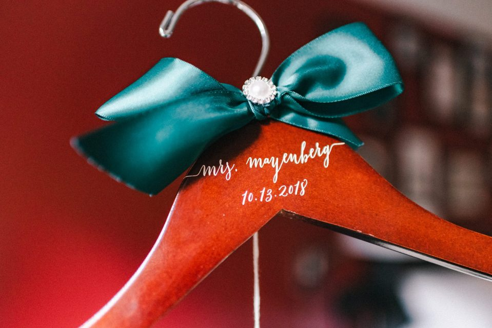 personalized-wedding-dress-hanger-emerald-green-bow-suessmoments