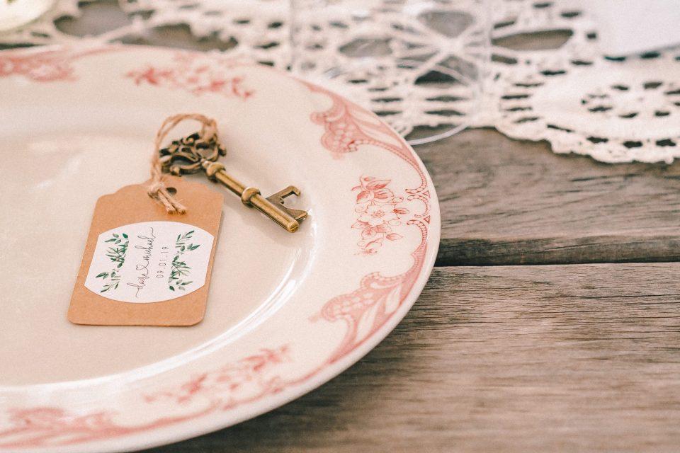 farmhouse-wedding-decor-wedding-photography-suessmoments