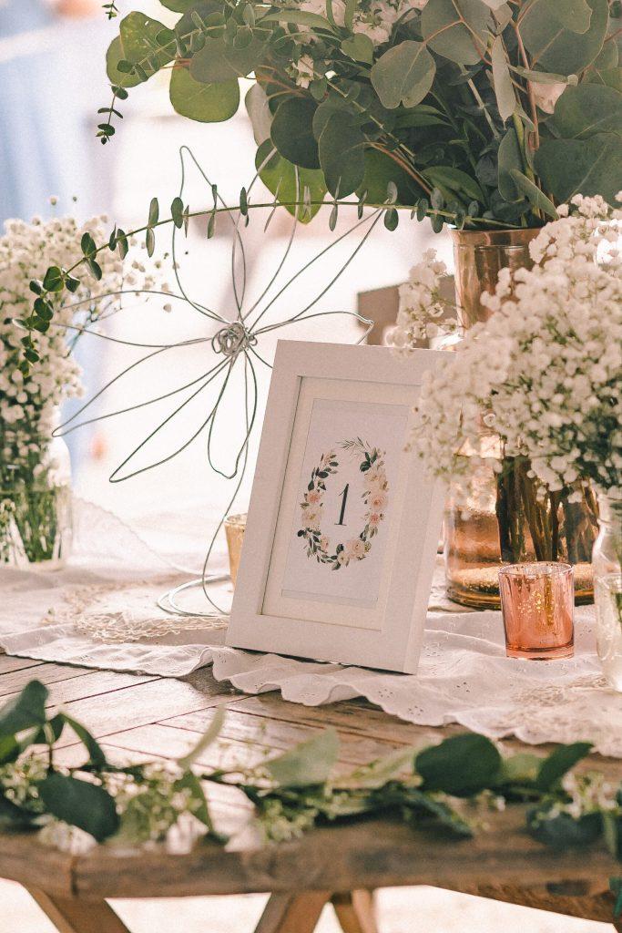 boho-farmhouse-wedding-decor-ideas-suessmoments