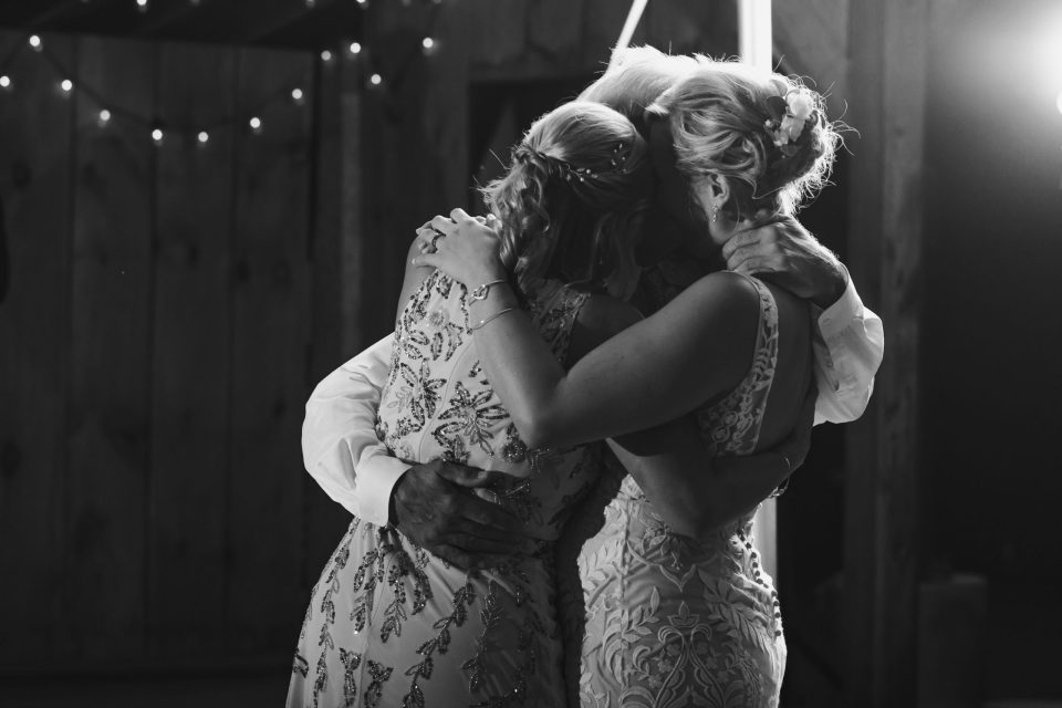 step-dad-and-bride-first-dance-suessmoments