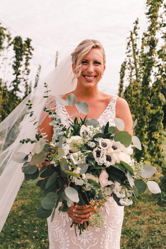 whole-foods-bride-bouquet-suessmoments