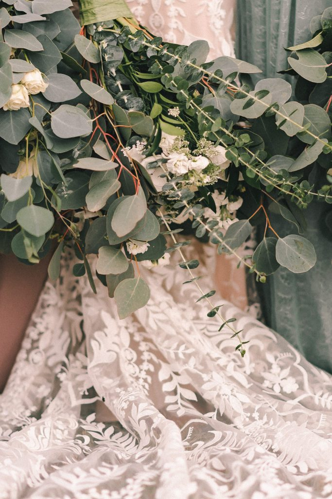 whole-foods-wedding-bouquet-boho-wedding-ideas-suessmoments